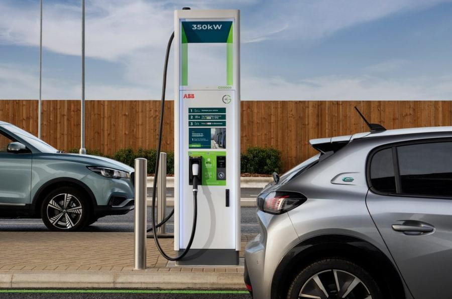 Gridserve's New Rugby Motorway services 350 kW chargers